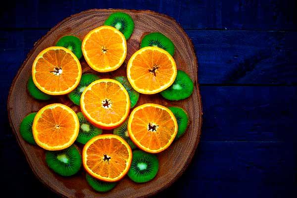 нарезка киви и апельсина